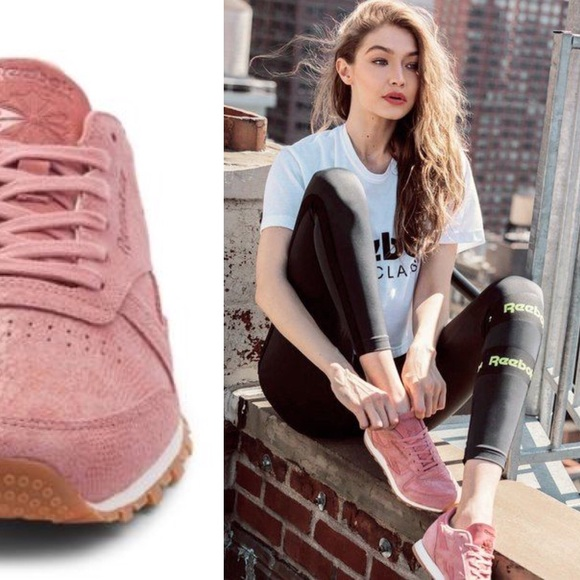 pink outfit with reebok classic sneakers street style
